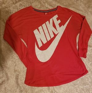 LADIES NIKE SHIRT
